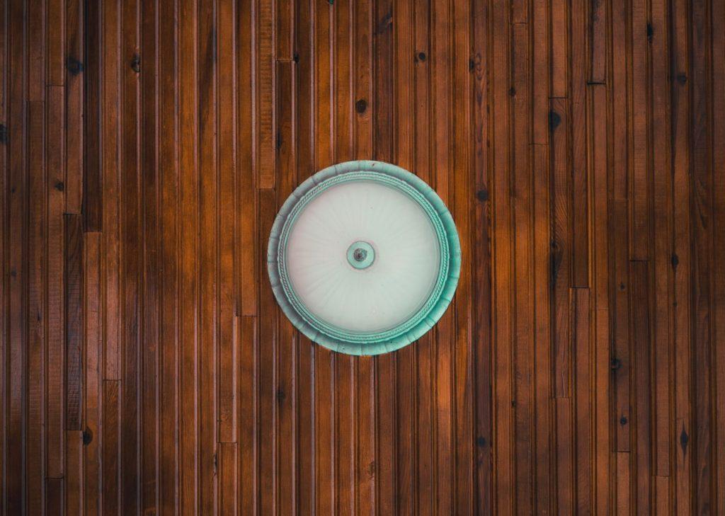 Panele podłogowe jak płytki ceramiczne – gdzie się sprawdzą?